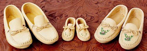 Huron Crafted Moccasins From Quebec - Mens
