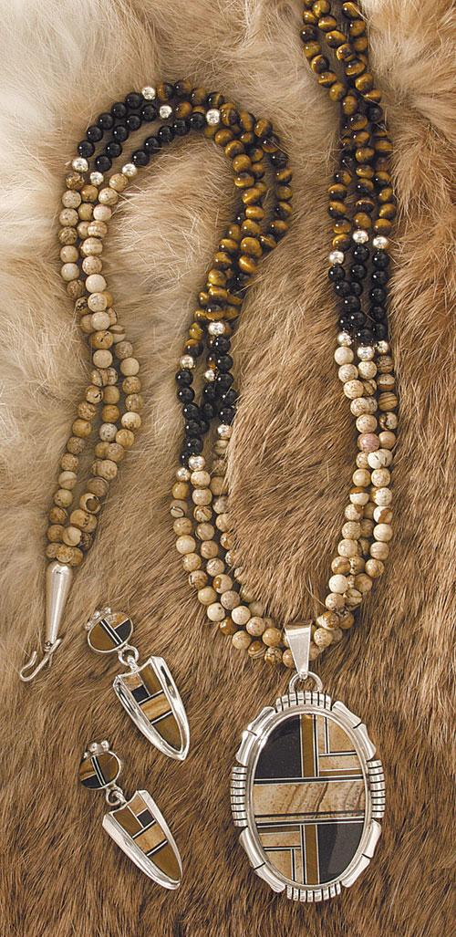 neckalce jewelry necklace products pendant cleef enlarged arpels s and van vintage alhambra tigers tiger eye necklaces