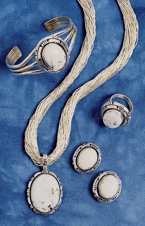 White-Buffalo-Earring-Bracelet-Ring-&-Penda